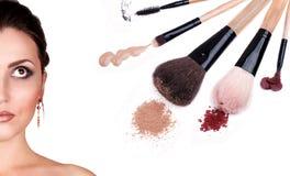 掠过化妆用品构成纵向妇女 库存图片