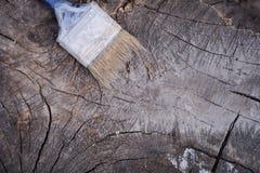 掠过在木背景 绘的木表面 库存图片