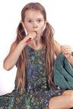 掠过的女孩她的牙 库存照片
