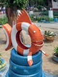 掠食性鱼由轮胎制成 库存图片