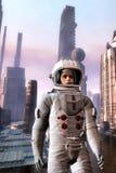 探险家宇航员在外籍人城市 免版税库存照片