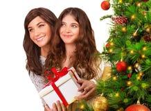 接受圣诞节礼物 免版税图库摄影