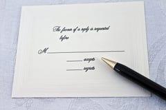 接受当事人给婚礼的遗憾答复 免版税库存图片