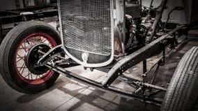 接受恢复的古董车 免版税图库摄影