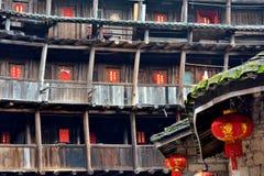 接地内部的城堡,在中国的南部的特色住所 库存照片