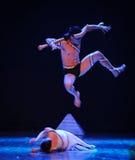 接管飞跃-差事入迷宫现代舞蹈舞蹈动作设计者玛莎・葛兰姆 免版税库存照片