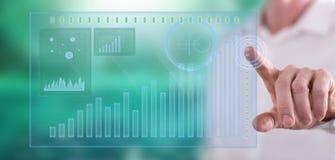 接触一个财务分析概念的人 库存照片