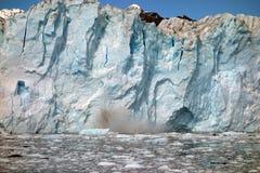 接近产犊冰川的面孔在威廉王子湾 免版税库存照片
