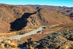 接近城市亚历山德拉,新西兰的小山 库存图片