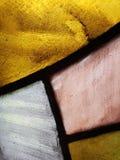 接近对在桃红色,黄色和白色颜色、背景和纹理的彩色玻璃 免版税图库摄影