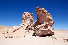 接近撒拉族的地质巨型独石塔拉,智利 免版税库存照片