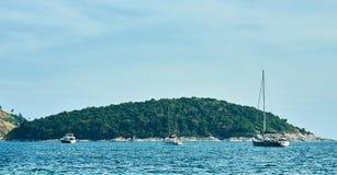 接近普吉岛的小海岛 免版税图库摄影