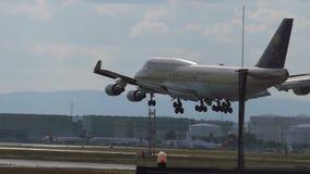 接近沙特阿拉伯货物航空公司波音747  股票录像