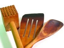 接近的厨房用工具加工木 免版税库存照片