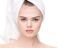 接近的妇女的健康理想的皮肤 免版税库存图片