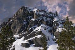 接近的山峰 库存照片