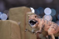 接近的恐龙雕塑 库存图片