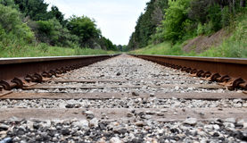 接近的日排行铁轨二 免版税库存图片