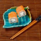 接近的日语卷起寿司 库存图片