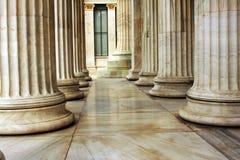 接近的柱子 免版税库存照片