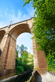 接近的看法Viaduc (Passerelle)曲拱,卢森堡 库存图片