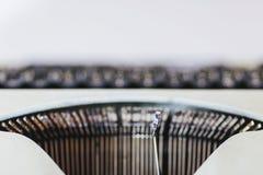 接近的老打字机 库存照片