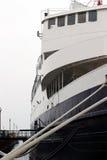接近的船身船 库存图片