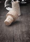 接近的黄柏用完葡萄酒酒 库存照片