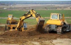 推土机和挖掘机 免版税库存图片