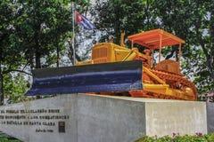 推土机在古巴 免版税库存照片