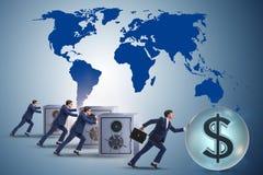 推挤美元和在竞争中取胜的商人 免版税库存图片