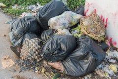 掩埋场,垃圾填埋废物在泰国 免版税图库摄影