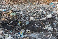 掩埋场,垃圾填埋废物在泰国 库存图片