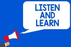措辞文字文本听并且学会 薪水注意的企业概念能得到学会教育演讲的知识多条线路 库存照片