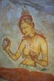 描述在锡吉里耶墙壁上的古老壁画皇家姘妇晃动 斯里南卡 免版税库存图片