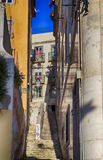 描述惊人的大厦和建筑学的里斯本/绘画里斯本/街道在里斯本 库存图片
