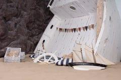 描述船击毁的海洋静物画 免版税库存图片