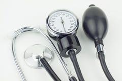 描述血压控制的血压计高分辨率图象 库存照片