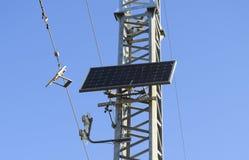 提供输电天线的太阳能电池 图库摄影