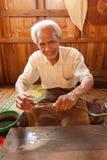 提取莲花螺纹,缅甸 免版税图库摄影