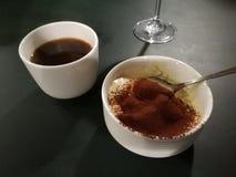 提拉米苏和咖啡 免版税库存图片