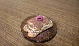 提拉米苏用莓 免版税图库摄影