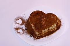 提拉米苏蛋糕,蛋糕提拉米苏用莓果 免版税库存照片