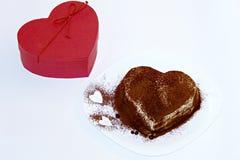 提拉米苏蛋糕,蛋糕提拉米苏用莓果 免版税图库摄影