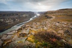 黛提瀑布瀑布在西北冰岛 免版税库存照片