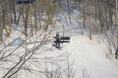提起移动滑雪 图库摄影