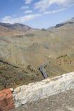 提齐乌祖省n tichka峭壁,摩洛哥 免版税库存图片
