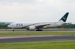 插入式放大器航空公司波音777 库存照片