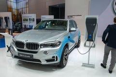 插入式杂种BMW X5e 免版税库存照片