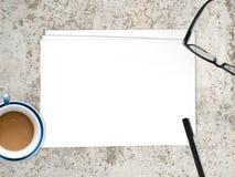 插入文本的空的白皮书文件 免版税图库摄影